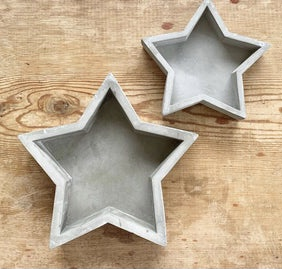Cement star tray, find it online at www.qwinkydink.co.uk